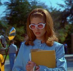 90s movie- JAWBREAKER That Look, 90s Fashion, Freddie Prinze, Round Sunglasses, Lenses, Movies, Style, Jr, Babe