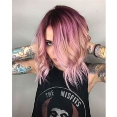 Having short stylish hairdos makes you look hip and happening. You can embrace a short hairdo easily because they choose every gown. Short Hairdo, Hair Day, New Hair, Pretty Hairstyles, Girl Hairstyles, Color Melting Hair, Mermaid Hair, Grunge Hair, Ombre Hair