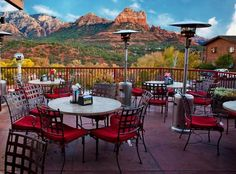 Best Sedona Shopping in Uptown Sedona Arizona. Arizona Travel, Sedona Arizona, Arizona Trip, Sedona Things To Do, Sedona Shopping, Sedona Restaurants, Cool Places To Visit, Places To Go, Grand Canyon Vacation