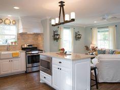 Immagine di http://hgtvhome.sndimg.com/content/dam/images/hgtv/fullset/2014/8/1/0/HFXUP107H_113623_mccall_open-concept_kitchen_after_h.jpg.rend.hgtvcom.1280.960.jpeg.
