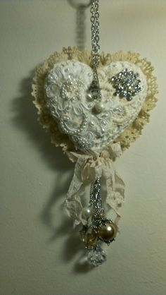Kitty'sScrapPost: Shabby Chic Heart Wall Hanging