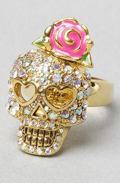 skulls, bling thing, skull ring, accessori moda, crystal skull, johnson skull, betsey johnson, betsi johnson, jewelri
