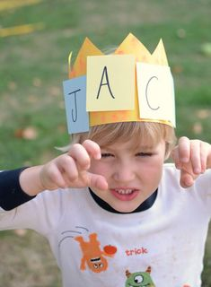 Name activity - practice letters and names with this fun game and crown craft! Name Activities, Preschool Literacy, Fun Games For Kids, Art Activities For Kids, Preschool At Home, Fun Crafts For Kids, Literacy Activities, Preschool Names, Activity Ideas