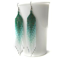 Green / teal / white seed bead earrings   beadwork par Anabel27shop, $16.00