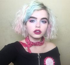 🦄 Fashion inspo: The stunning looking like a bit of a bit of and a lot of fairy dust 🧚🏻♂️ 90s Fashion, Vintage Fashion, Fairy Dust, Girlfriends, Chokers, Face Study, People, Beautiful, Instagram