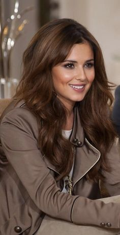 Cheryl Cole's Hot X Factor Hairstyles 2010 Brunette Beauty, Brunette Hair, Hair Beauty, Long Brunette, Brunette Color, Kpop Hair, Corte Y Color, Natural Hair Styles, Long Hair Styles