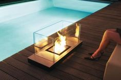 A nice bio-Ethanol fireplace, indoor and outdoor use. Sweet modern design!