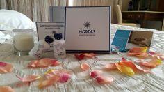 Durante este largo puente, puedes ser uno de los afortunados que se encuentre un sorprendente pack de bienvenida de #Nordés, el Pack #Nordesgin. Acepta el reto, participa y tendrás la oportunidad de llevarte otro fin de semana en un hotel #Rusticae para dos personas.