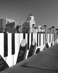 Piano keyboard fence