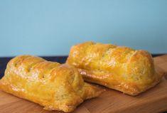 Recept | Homemade kroketbroodjes - met Kort in de Keuken Croissants, Tapas, Hamburger, French Toast, Snacks, Bread, Cheese, Homemade, Breakfast