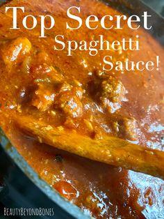 Top Secret Spaghetti Sauce! – BeautyBeyondBones Italian Spaghetti Sauce, Italian Tomato Sauce, Spaghetti Meat Sauce, Homemade Spaghetti Sauce, Spaghetti Recipes, Best Spaghetti Recipe, Italian Gravy, Spaghetti Bake, Gourmet