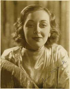 Portrait of Ann Dvorak by Elmer Fryer. Golden Age Of Hollywood, Hollywood Stars, Classic Hollywood, Scarface 1932, Moving To Hawaii, Susan Hayward, How To Pronounce, Female Stars, Portraits