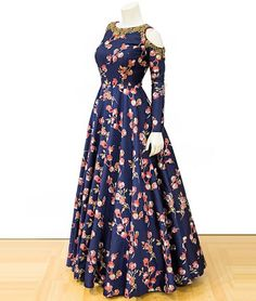 indian fashion -- Click VISIT link above for more options Indian Gowns, Pakistani Dresses, Indian Wear, Indian Outfits, Indie Mode, Printed Gowns, Anarkali Dress, Lehenga, Hijab Gown