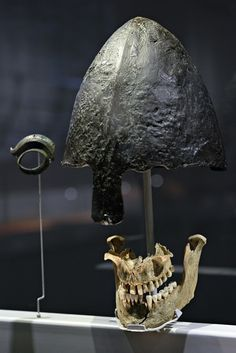 Viking helmet and jawbone found in Weymouth. Probably he was the victim of Ridgeway Hill execution of 54 norsemen, 930 - 1030 AD.