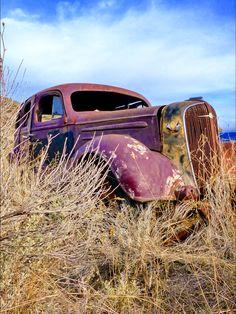old-timer-automobile-rusty-car. Source pixabay.com