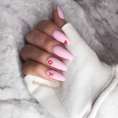 20 Trendy Valentine Nails That Are Totally Killing It - Ten .- 20 Trendy Valentine Nails That Are Totally Killing It – Ten Catalog - Rose Nails, Heart Nails, Aycrlic Nails, Fun Nails, Glitter Nails, Cute Pink Nails, Stiletto Nails, Basic Nails, Simple Nails