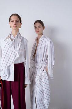Joseph Resort 2019 London Fashion Show Collection: See the complete Joseph Resort 2019 London collection. Look 2