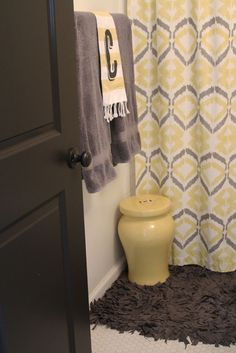 Tali Printed Shower Curtain + Recycled Jersey Bath Mat from west elm via @Apartment Therapy