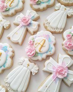 Lisette Cookie Studio (@lisettecookiestudio) • Instagram photos and videos Cross Cookies, Cut Out Cookies, Sugar Cookies, Baptism Desserts, Christening Cookies, Baby Wedding, Cookie Decorating, Cookie Cutters, Bakery