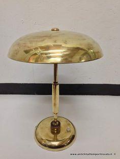 Oggettistica d`epoca - Lampadari e lampade Antica lampada da tavolo in ottone - Lampada ministeriale snodabile Immagine n°1