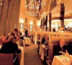 America's 20 BEST Italian restaurants! chique uitstraling, waar je een soort afgezonderd zit en dus bijna niet gestoord kan worden door mensen om je heen. uitstekend voor een vergaderingen.