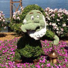 Sneezy topiary Flower and Garden 2012