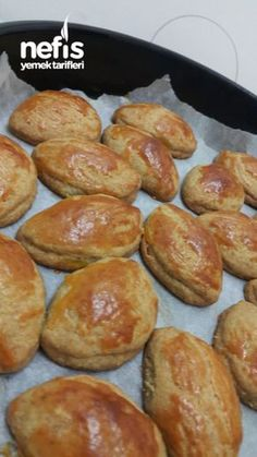 Delicious Quickie Pastry Dispersed in the Mouth Turkish Pastry Recipe, Turkish Recipes, Banana Pudding Desserts, Turkish Kitchen, Snacks Für Party, Breakfast Items, Pastry Recipes, Pain, Bakery