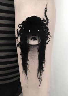 SEWP is a Toronto-based artist who creates incredible, dark, freaky and slightly erotic tattoos of faceless girls. His signature tattoos are of shadowy Tattoo Girls, Girl Tattoos, Tattoos For Women, Tatoos, Kunst Tattoos, Body Art Tattoos, Sleeve Tattoos, Hand Tattoos, Noir Tattoo