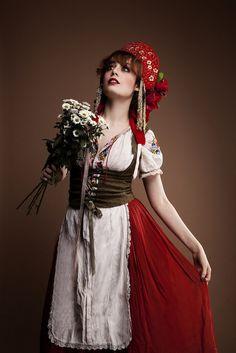 Louise Ebel Pandora Russie Revee Pt. II