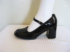 Glossy Black Mary Jane Heels / 90s Mary Janes sz 8