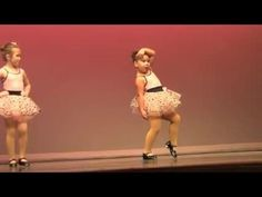 Six-year old Johanna Colon brought the house down recently at her dance recital with a tap routine to the Aretha Franklin classic Cute Baby Videos, Funny Videos For Kids, Kids Videos, Cute Funny Babies, Funny Kids, Cute Kids, Little Girl Dancing, Dancing Baby, Kids Dancing