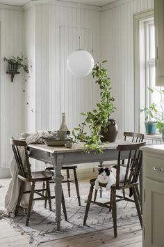 Another space-saving alternative is to buy rounded dining tables. They can provide versatile sitting as it doesn't have restricting corners. Farmhouse Dining Room Table, Dining Room Table Decor, Dining Room Walls, Dining Room Design, Dining Tables, Dining Room Inspiration, Interior Design Living Room, Home Decor, Space Saving