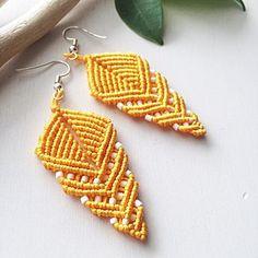 Diy Macrame Earrings, Collar Macrame, Macrame Jewelry, Macrame Bracelets, Crochet Earrings, Loom Bracelets, Friendship Bracelets, Earring Tutorial, Bracelet Tutorial
