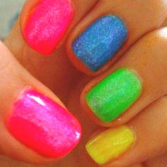 Shellac nails...Looks like the beach is calling me!