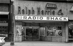 Shorpy Historic Picture Archive :: Radio Shack: 1963 high-resolution photo