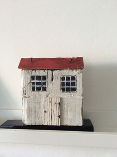 Recycling von Holz Ana Manas, The Effective Pictures We Offer You About Diy Wood T Clay Houses, Ceramic Houses, Miniature Houses, Wood Houses, Art Houses, Driftwood Projects, Driftwood Art, Into The Woods, House In The Woods