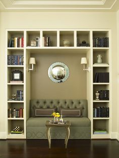 Looking for design ideas and tips? Luxe Interiors + Designs has a huge library of the latest trends in luxurious home designs from across the United States. Home Library Design, Family Room Design, Built In Bookcase, Bookcases, Bookshelf Styling, Bookshelf Design, Hill Interiors, Design Interiors, Home Libraries
