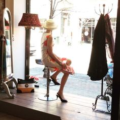 Snap a #selfie with a live #manequin @zuzufashionboutiquebarrie between 12-2pm today for an extra #freshairfridays ballot…