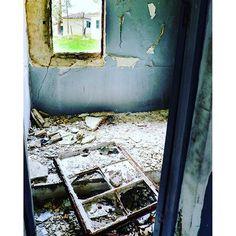 #thermi #Thessaloniki #Greece #old_baths #abandoned #broken #window #ruined #cracks #picture_in_picture #fujifilm_xe2 #lightroom #forgotten