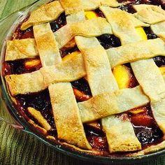 Cherry Berry Peach Pie Gooseberry Pie, Mango Pie, Peach Pie Recipes, Best Pie, Fruit Pie, Homemade Pie, Sweet Cherries, Dessert Recipes, Desserts