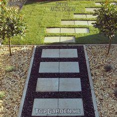 Kertburkolás Pathways, Land Scape, Beautiful Gardens, Stepping Stones, Outdoor Decor, Design, Home Decor, Coin, Landscaping