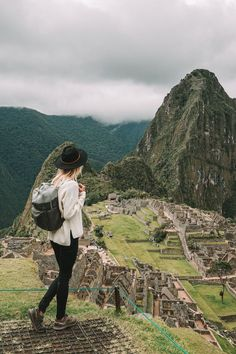 Peru Travel, Travel Usa, Machu Picchu Mountain, Places To Travel, Places To Visit, Huayna Picchu, Outfit Invierno, Train Rides, Places Around The World