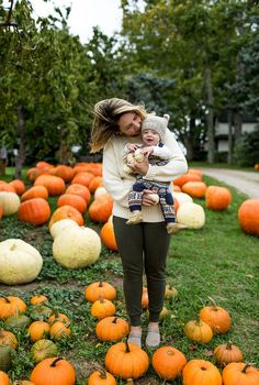 Fall baby pictures, fall photos, couple senior pictures, fall pics, f Pumpkin Patch Kids, Pumpkin Patch Pictures, Pumpkin Photos, Pumpkin Patch Outfit, Baby In Pumpkin, Baby Pumpkin Pictures, Pumpkin Family, Large Pumpkin, Fall Baby Pictures