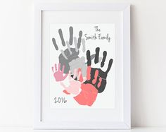 Personalized Family Portrait 5 Handprint Art Gift for Dad Mom Mothers Fathers Day Your Actual Hand Prints 1114 inches UNFRAMED Basteln mit Kindern Family Crafts, Baby Crafts, Family Art Projects, Kids Crafts, Craft Projects, Family Hand Prints, Kids Art Galleries, Handprint Art, Baby Footprints
