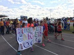 A world record was broken by 275 giggling and sweaty children Saturday morning at Northside High School in Jacksonville.The children donned purple Relay