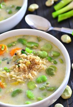 Zupa z bobem i brązowym ryżem  - etap 1 Cheeseburger Chowder, Vegan, Food, Diet, Kitchens, Essen, Meals, Vegans, Yemek