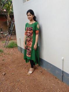 Churidar Designs, Kurta Designs Women, Blouse Designs, Sleeve Designs, Kurta Patterns, Dress Patterns, Frock Fashion, Fashion Outfits, Kurtha Designs