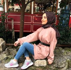 Image may contain: 1 person, shoes and outdoor Modest Fashion Hijab, Hijab Chic, Muslim Fashion, Cute Fashion, Fashion Outfits, Turban Style, Christian Clothing, Casual Wedding, Hijab Outfit