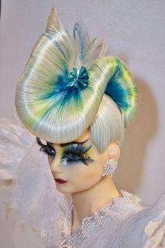 Jelly fish Great Hairstyles, Creative Hairstyles, Down Hairstyles, Fantasy Hairstyles, Burlesque Hair, Hair Expo, High Fashion Hair, Competition Hair, Crazy Hair