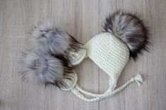 Cream Baby pom pom hat and fur boots - Crochet baby hat and booties- Baby  winter clothes - Fur Pom pom hat - Fur booties - Gender neutral 09a4c67e2143